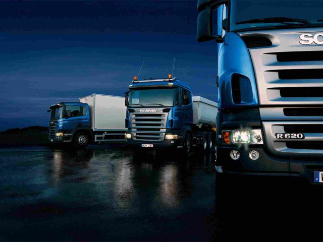 https://www.vrk.ro/wp-content/uploads/2015/09/Three-trucks-on-blue-background-640x480.jpg
